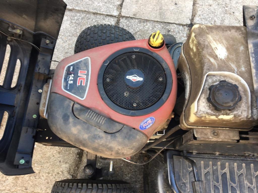 "AYP Craftsman 14,5 HP 42"" Rear Discharge Mower Whats185"