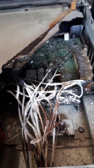 Attention a la serie akzm chez whirlpool bouton sur 0 grill chauffe encore!!! 20190510
