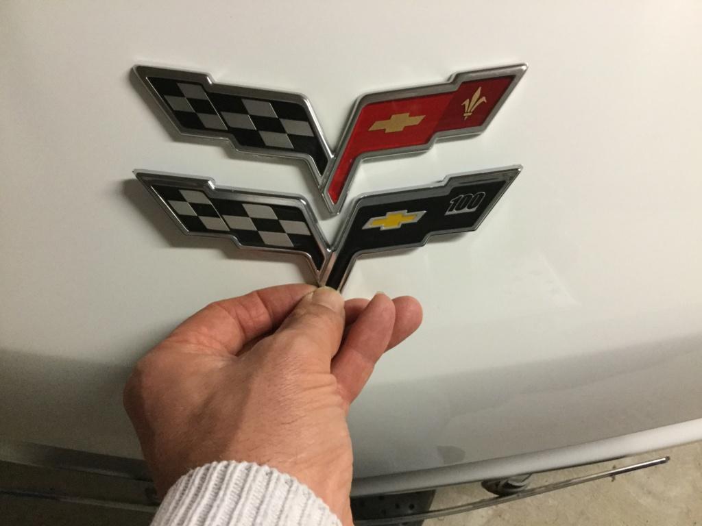 où acheter un logo de capot moteur de C6? F5750810