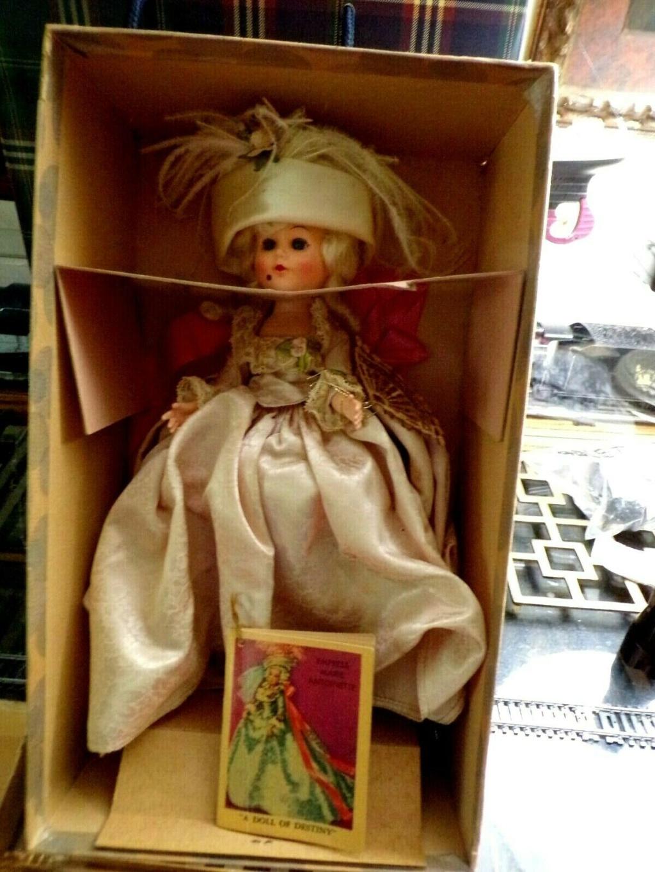 Poupées et jouets Marie Antoinette - Page 3 S-l16010
