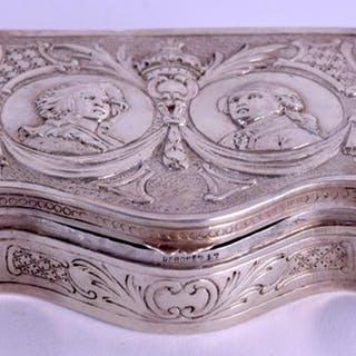 A vendre: Louis XVI et Marie Antoinette - Page 6 Zzantd10