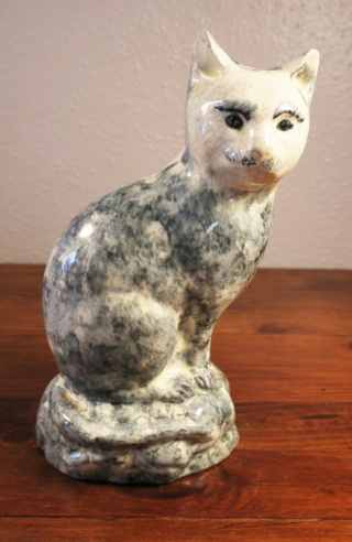 Sponge Decorated Cat Figurine Sponge14