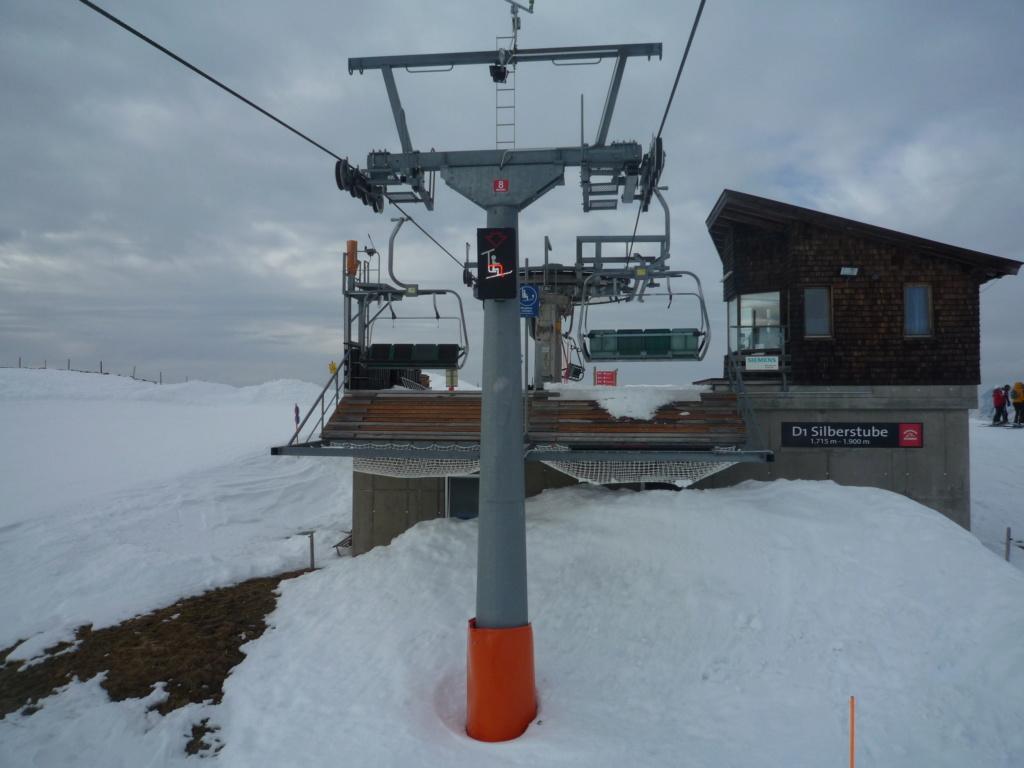 Les panneaux à l'arrivée des Télésièges P1060840