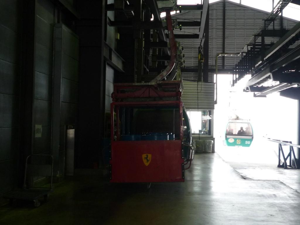 Télécabine Débrayable 6 places (TCD6) 47 Express Line 8  P1070428