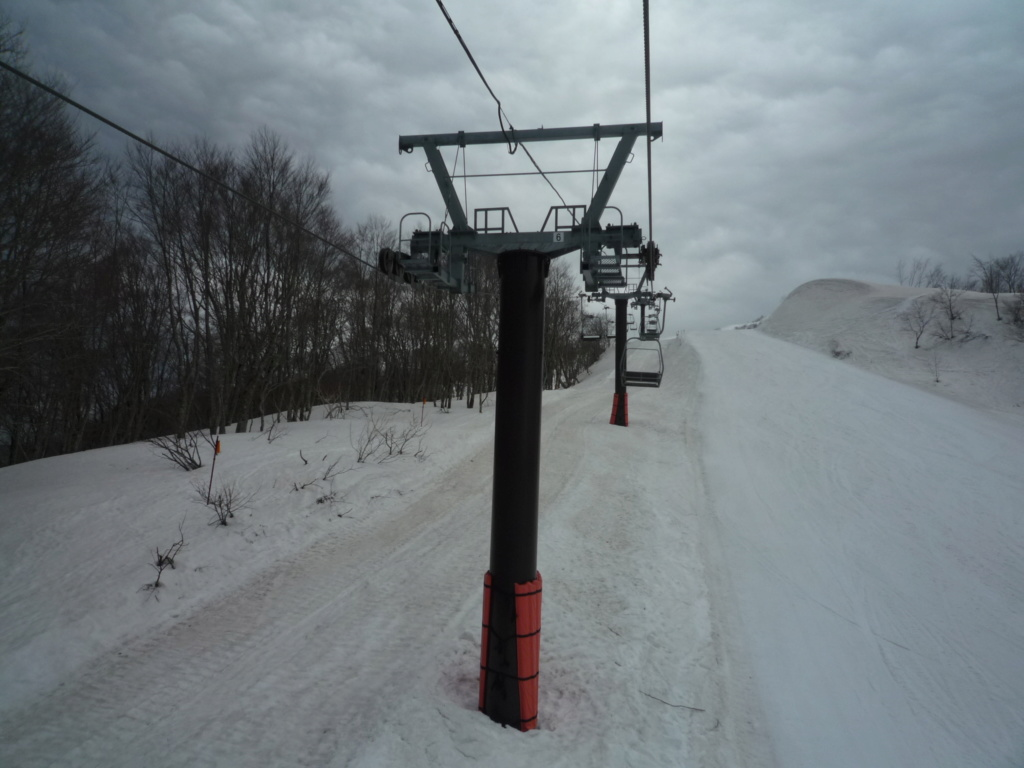 Télésiège Débrayable 2 places (TSD2) High Speed Chair Lift Line E P1070481