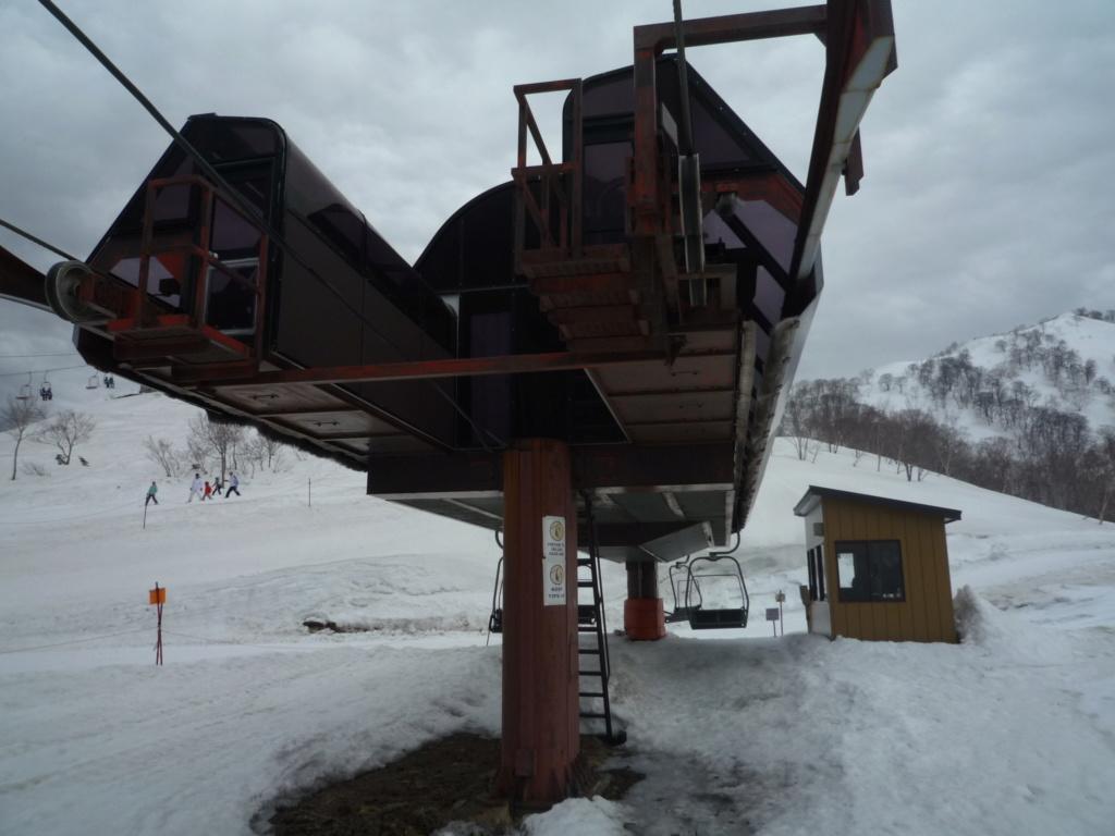 Télésiège Débrayable 2 places (TSD2) High Speed Chair Lift Line E P1070494