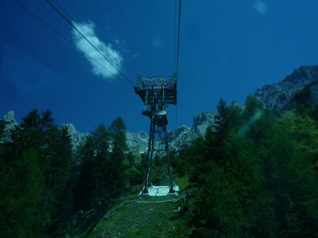 Téléphérique à va et viens (TPH25) Karwendelbahn P1080225