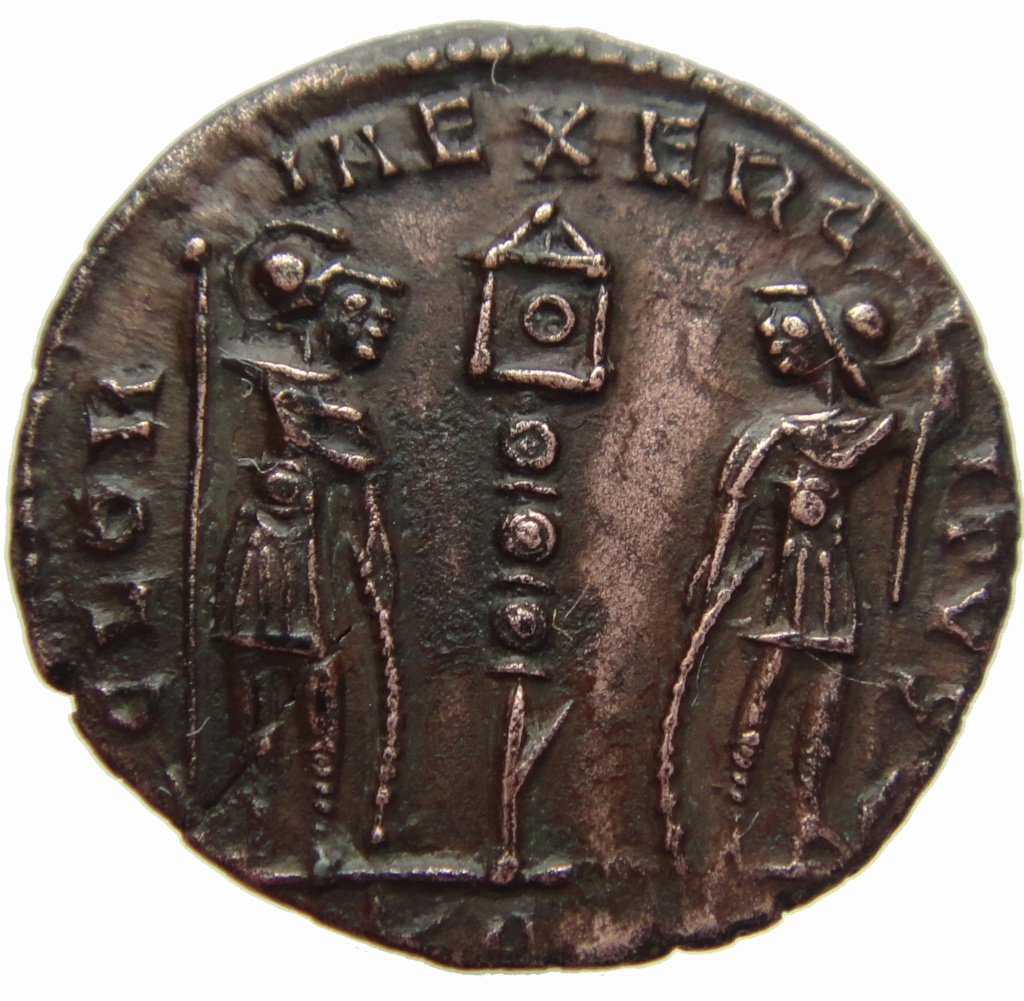 Constantin II pour?  19edc210