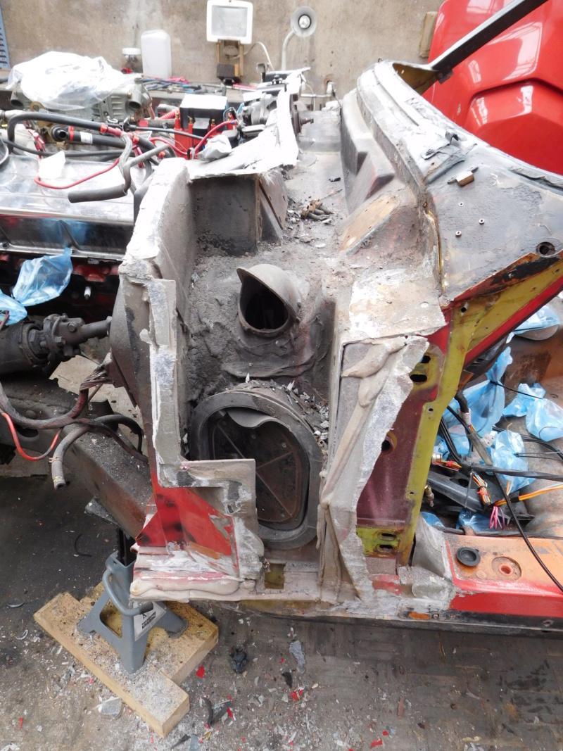 Corvette C3 1971 : Après le nid douillet, se refaire une santé - Page 5 Dscn1114