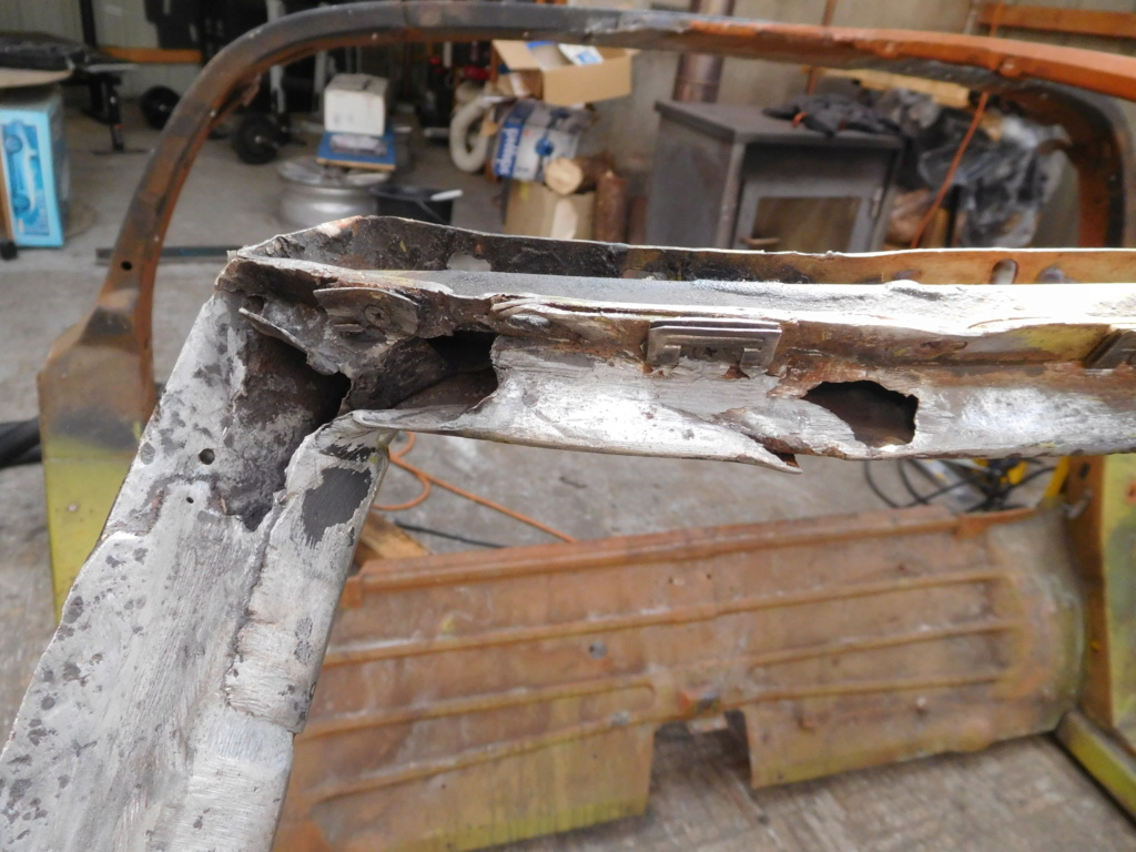 Corvette C3 1971 : Après le nid douillet, se refaire une santé - Page 26 Dscn2811
