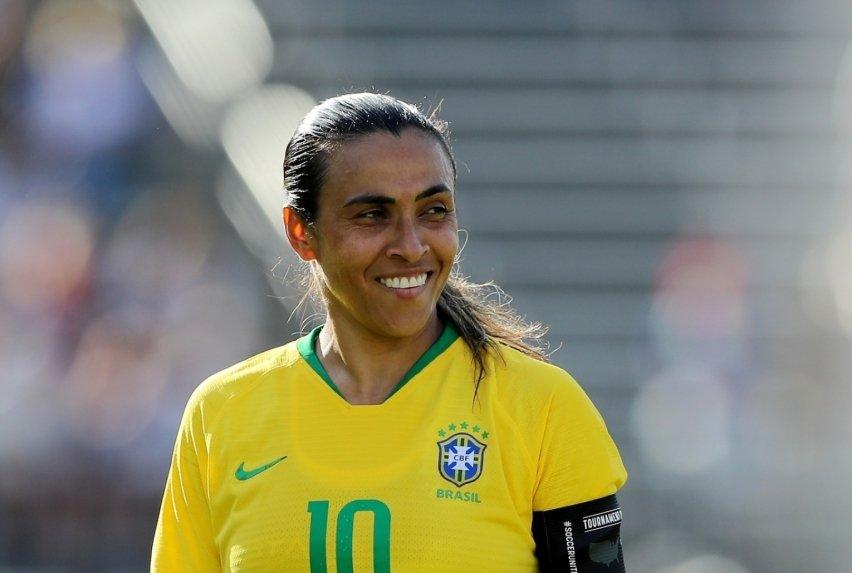 Marta manda recado à torcida: 'Estamos otimistas' 1_mart10