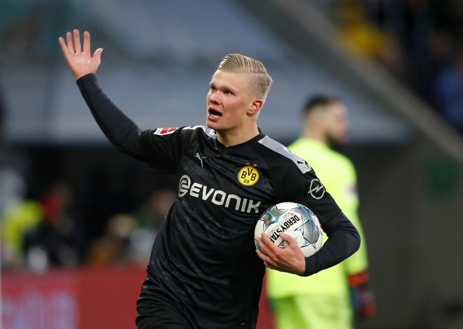 Haaland estreia com hat-trick, dá vitória ao Dortmund e manda recado ao mundo 2020-011
