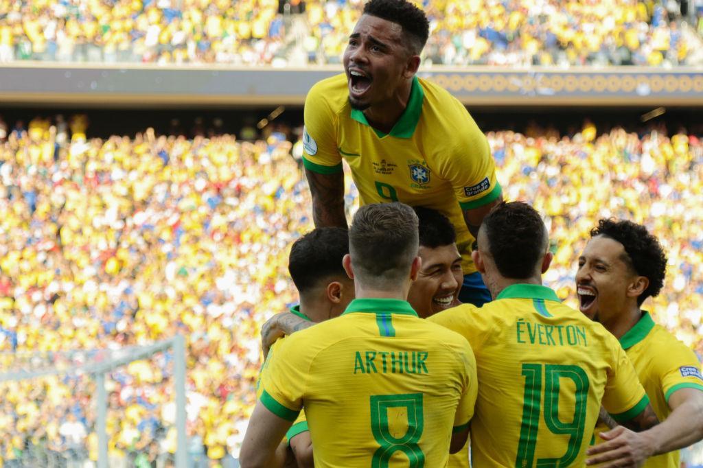 Brasil vence, convence e Tite encontra sua melhor formação 25269810