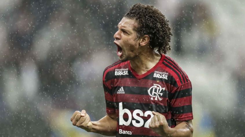 """Torcida do Flamengo comemora renovação de Arão para sua própria """"surpresa"""" 5cdcca10"""