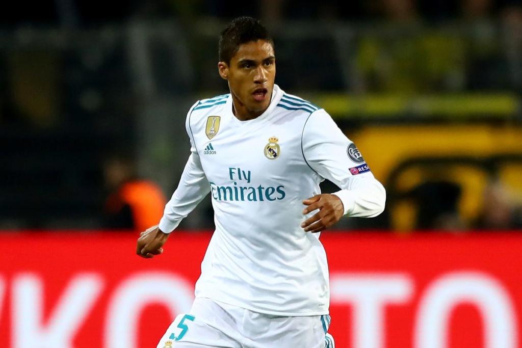 """Varane anuncia que fica no Real Madrid e avisa: time tem que """"mudar algumas coisas"""" 85458510"""