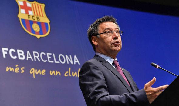 Barcelona se prepara para saída de jogadores, após declaração de presidente Barcel12