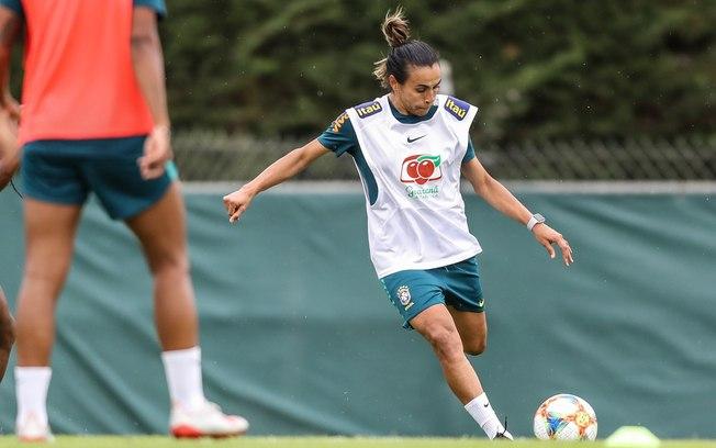 Marta se recupera e pode ir a campo contra a Austrália Bjtqix10