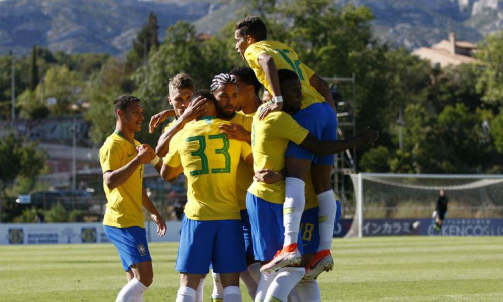 Brasil vence nos pênaltis e é campeão em Toulon Brasil10