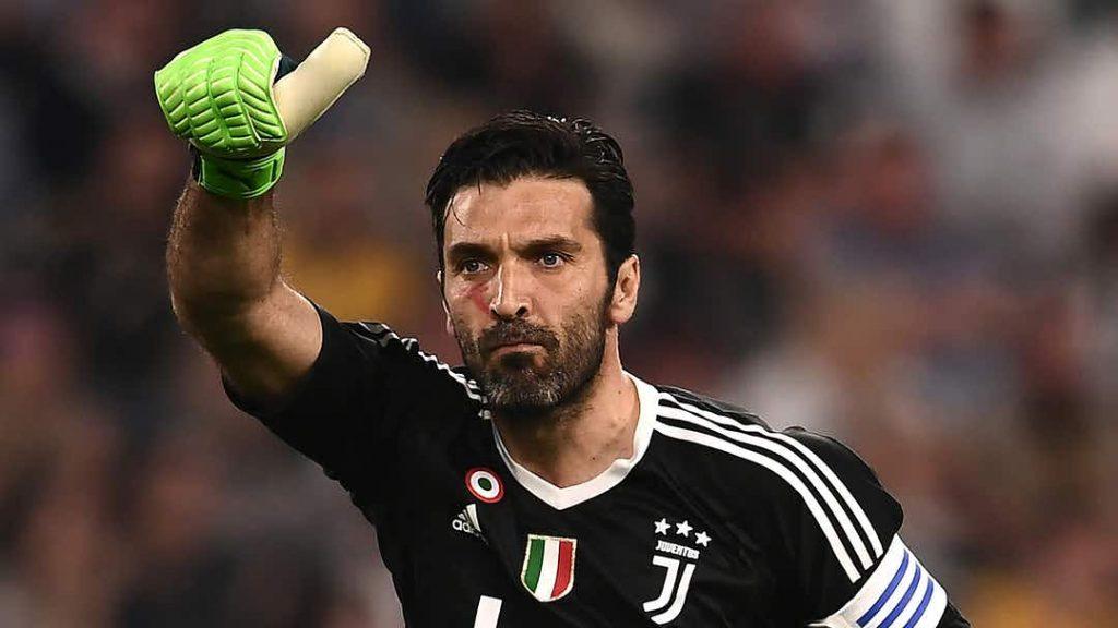 A Juventus confirmou, nesta quinta-feira, a contratação de Gianluigi Buffon. Buffon10