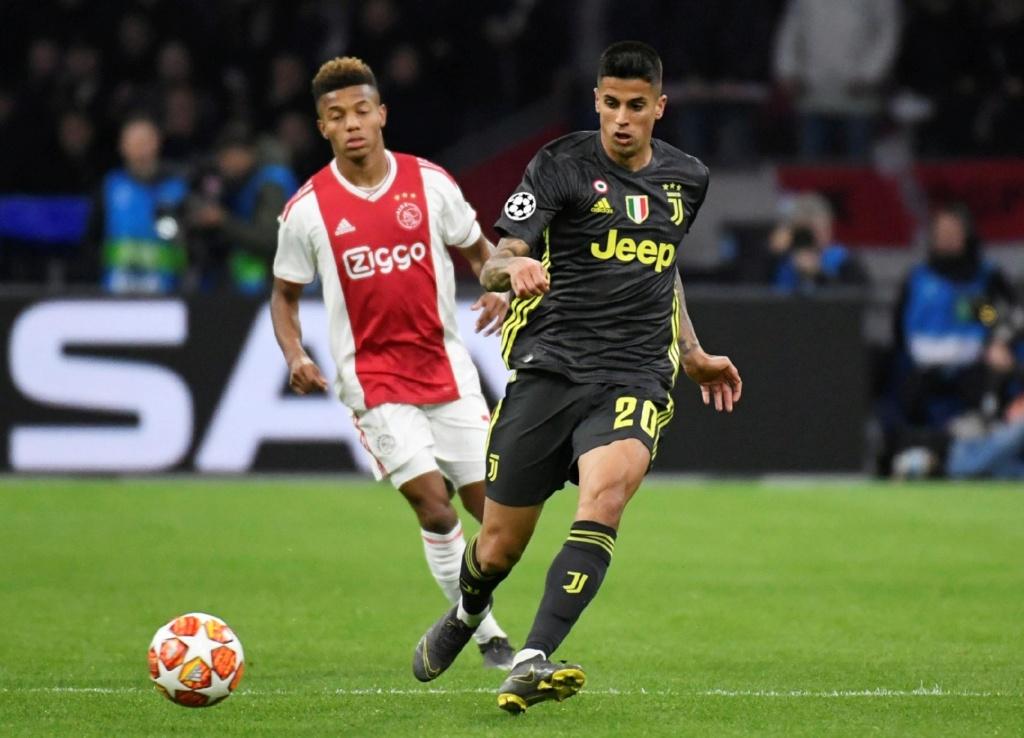 Cristiano coloca Juve na frente, mas Neres garante empate ao Ajax Cancel10