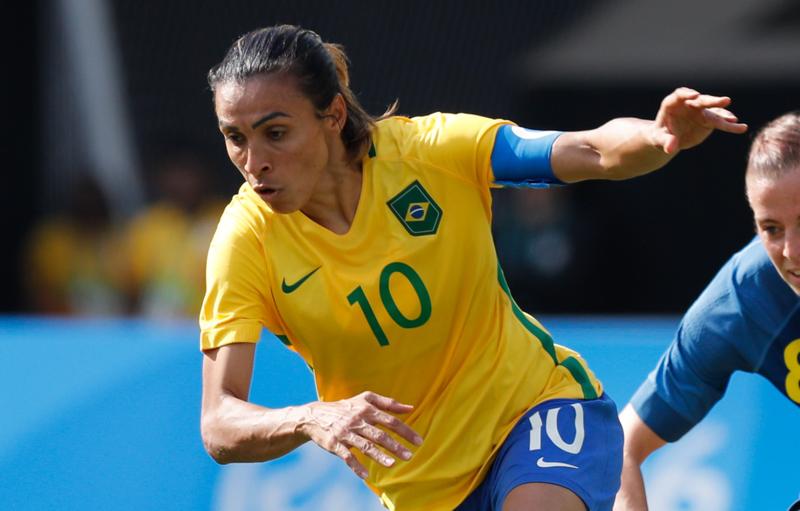 Médico da Seleção explica tratamento de recuperação de Marta Capa-m10