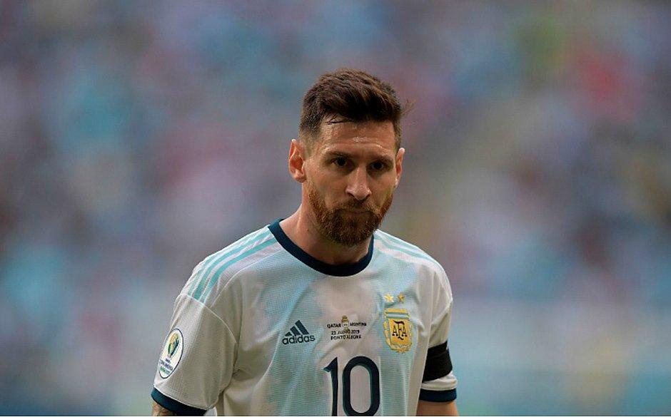 Messi admite Copa América ruim, mas critica gramados: 'Uma vergonha' Csm_me10
