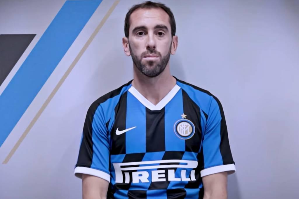 Chegada de Godín à Inter pode forçar saída de Miranda, reserva na Itália Esport18