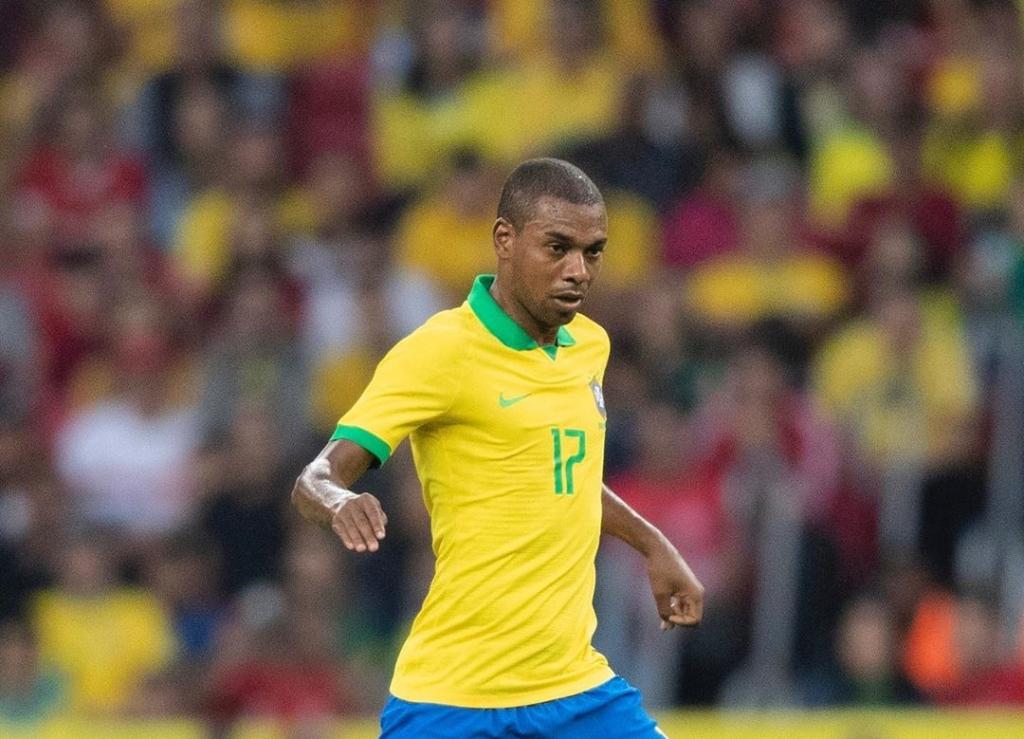 """""""Fernandinho, em condições, é o substituto do Casemiro"""", avisa Tite Fernan12"""
