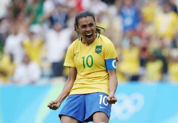 Marta se torna a primeira jogadora a marcar em cinco Copas do Mundo Gettyi18