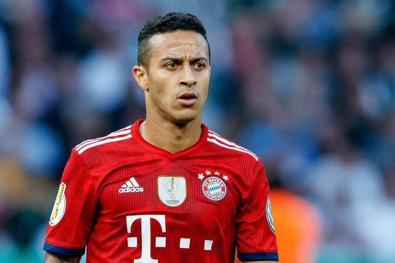 """Thiago, do Bayern, protesta contra rodada mantida do Alemão: """"isso é loucura"""" Hi-res14"""