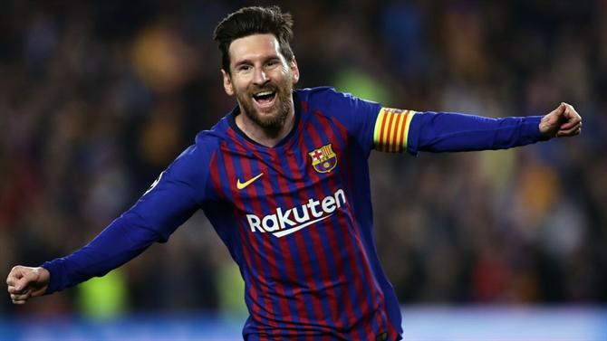 Messi deixou a bola mais perto em golaço de falta contra o Liverpool? Messib10