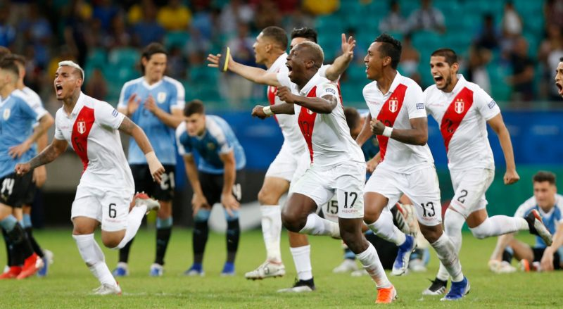 Peru tenta voltar à final após 44 anos contra Chile em busca do tri Peru-810