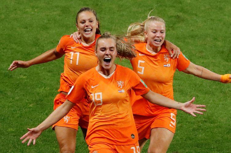 Holanda vence Itália e se classifica para a semifinal Reuter10