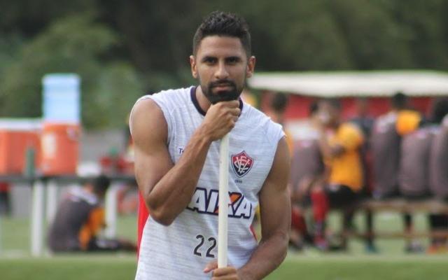 Santiago Tréllez foi oferecido a Botafogo, Goiás e Ceará Screen10