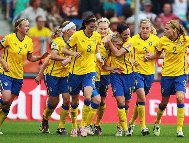 Suécia vira para cima da Alemanha e passa à semi Suecia10