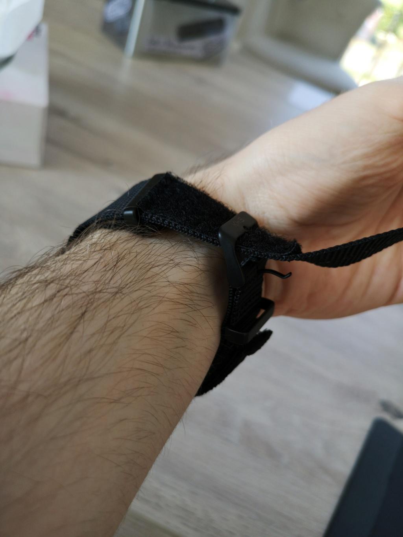Montre KHS à bracelet NATO / Une technique pour la serrer ? 410