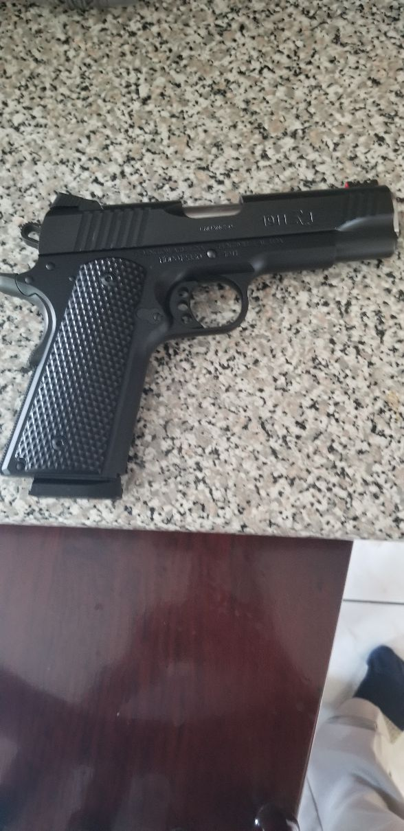 Remington R1 Ultra Light Enhensed Commander. 1911 45 20190922