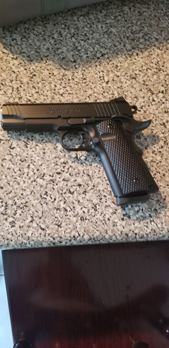 Remington R1 Ultra Light Enhensed Commander. 1911 45 20190923