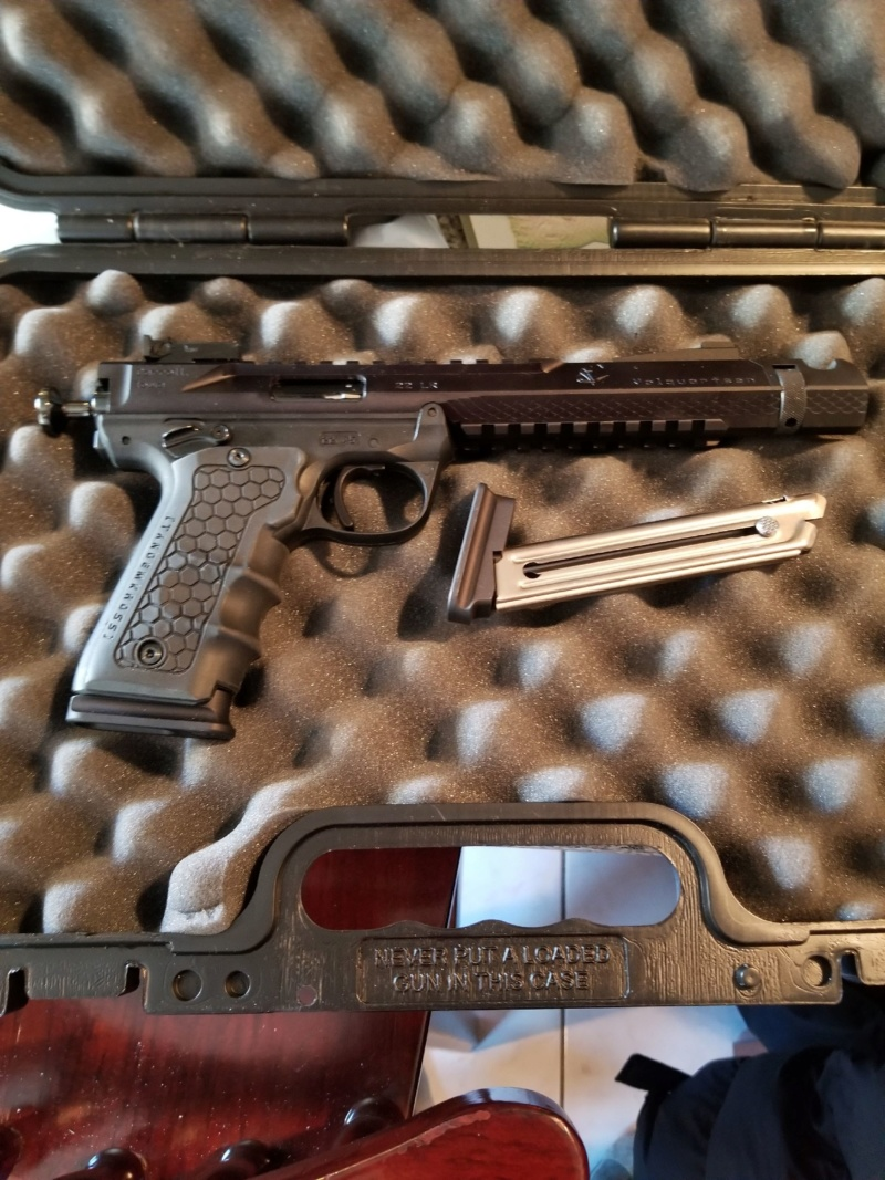3 beautiful pistols for sale. 20200117