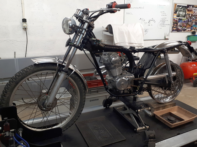 Restauration d'une Honda 125 TL dans l'Oise Honda129