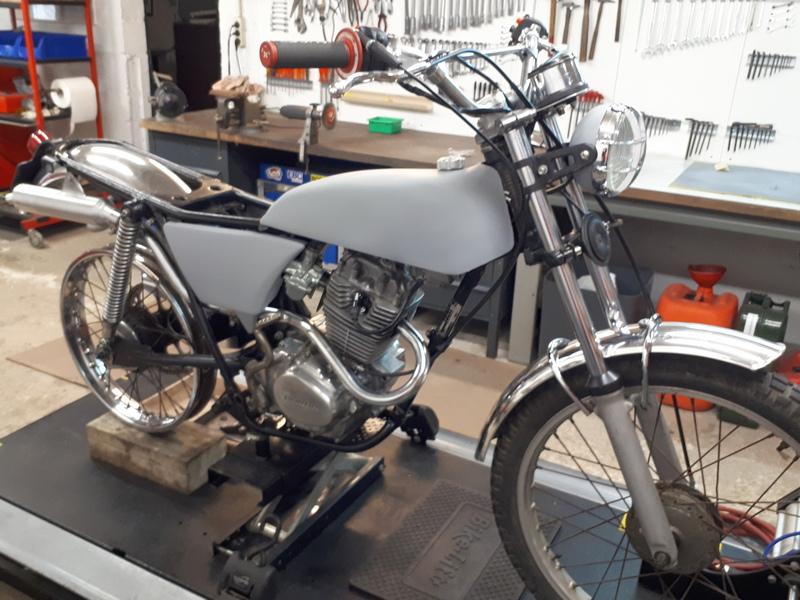 Restauration d'une Honda 125 TL dans l'Oise Honda130