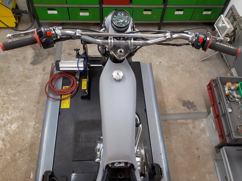 Restauration d'une Honda 125 TL dans l'Oise Honda131