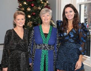 Georgina Ahern dice que a sus hijos les encantó ir de gira con Nicky Byrne y Westlife este año. 0_cari10