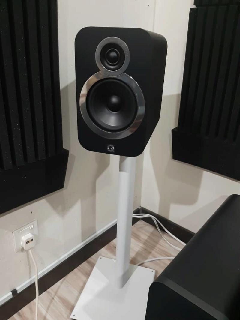 Q Acoustics 3020i speakers + 3000st speaker stand Whatsa12