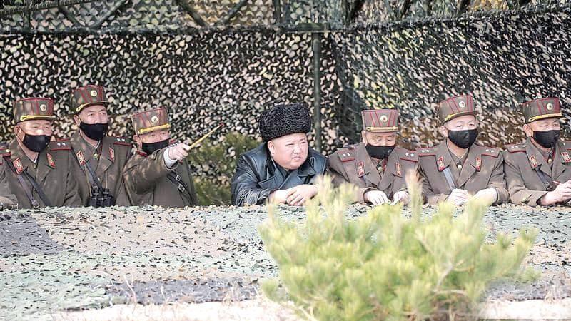 زعيم كوريا الشمالية لا يرتدى الكمامة فى تحدى لفيروس كورونا 96f8fd10