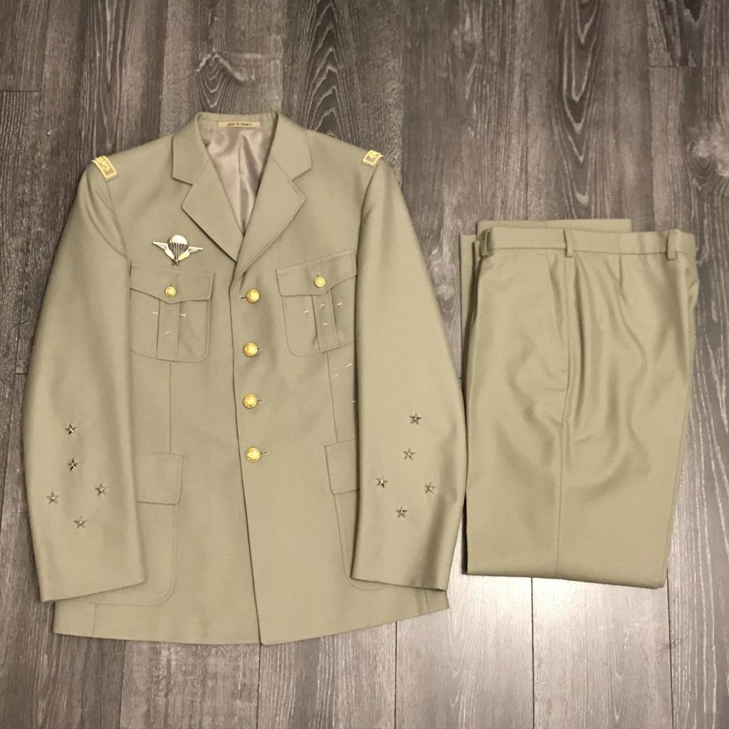 Ma collection d'uniforme de général 5b39f610