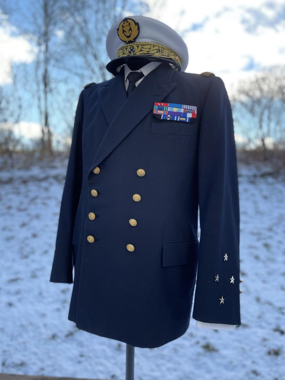 Ma collection d'uniformes et de médailles - Page 2 7a74d410