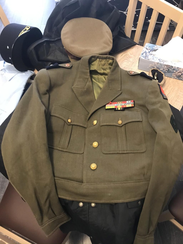 Ma collection d'uniforme de général B7c40810