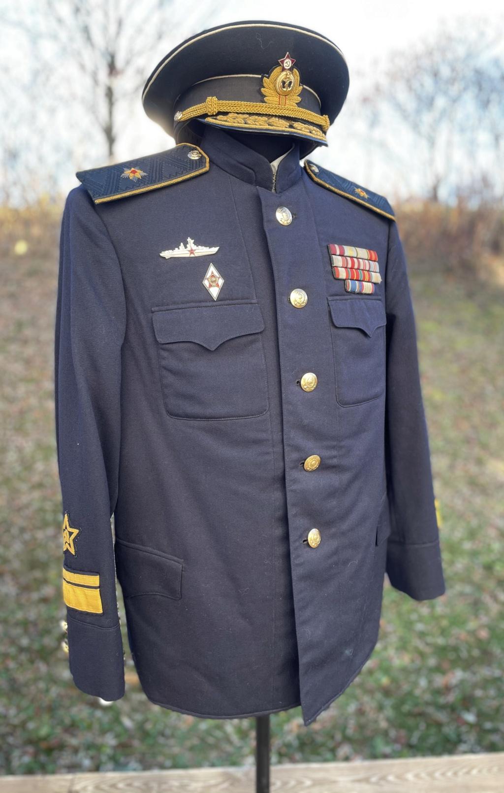Ma collection d'uniformes et de médailles - Page 2 D041c010