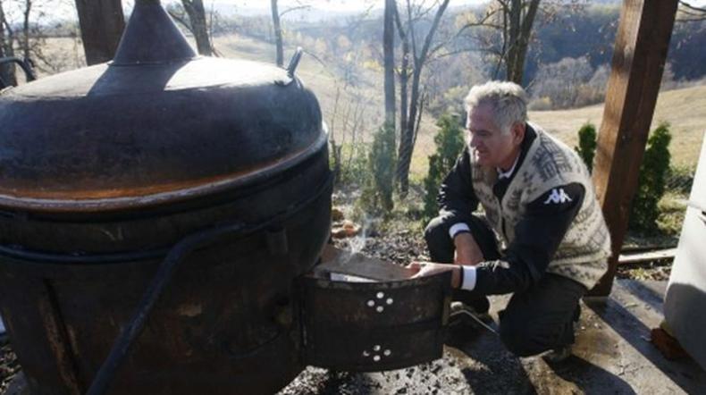 U Srbiji ne zarezuju 2% 'vanredno stanje' sunčanje,šoping,roštiljanje Nikoli10